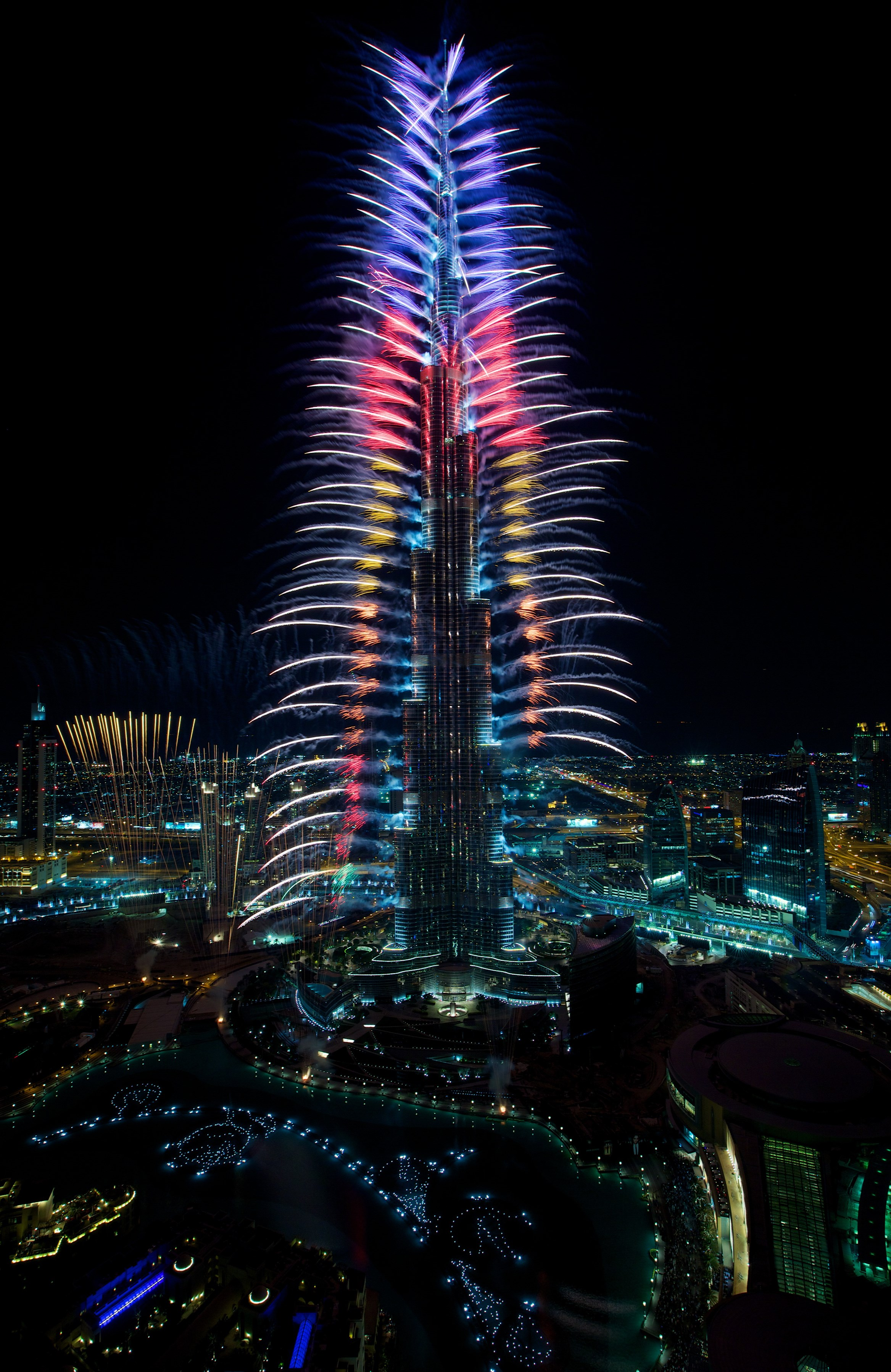 Dubai's Skyline of Icons Light up to Celebrate the End of a Landmark ...