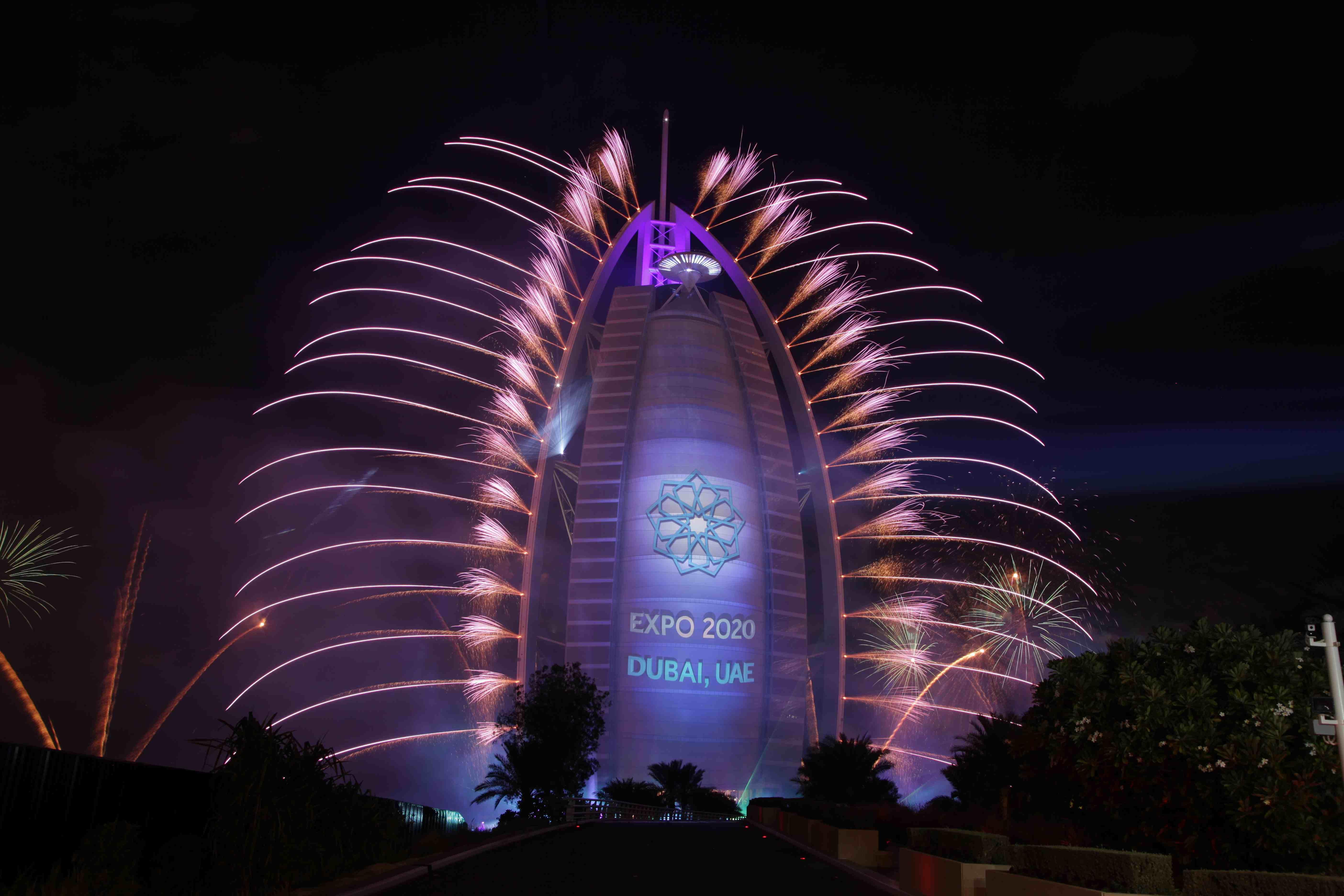 Burj Al Arab Parties In Spectacular Style Celebrations