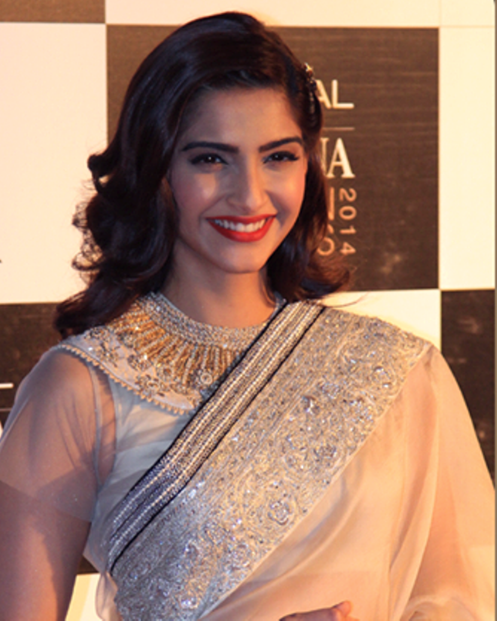 Displaying 15> Images For - Childhood Photos Of Sonam Kapoor...
