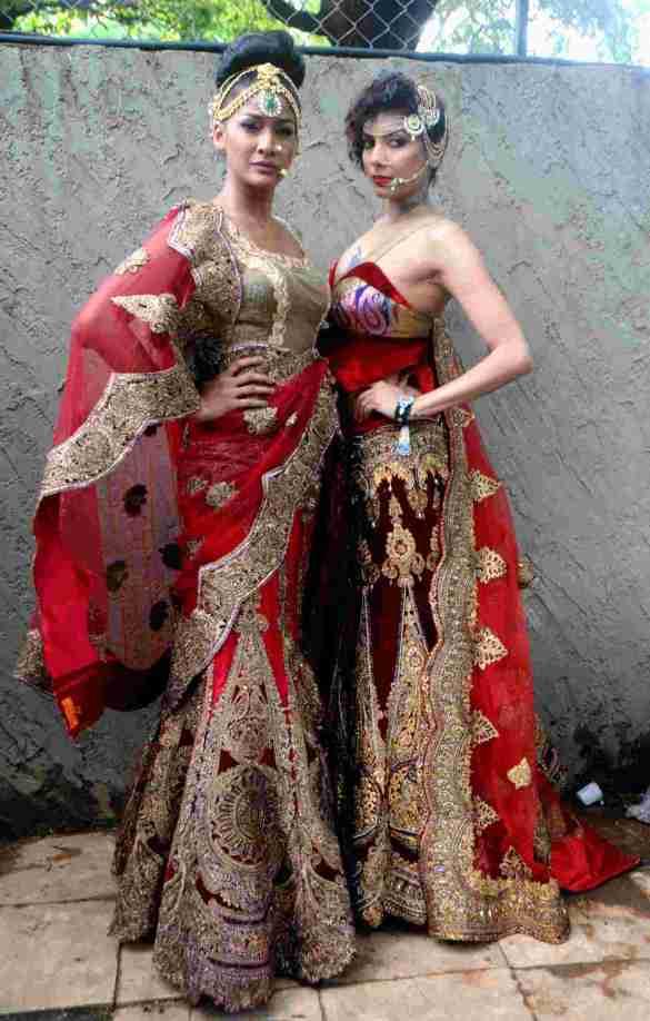 12. Carol Gracias with Diandra Soares  DSC_8907