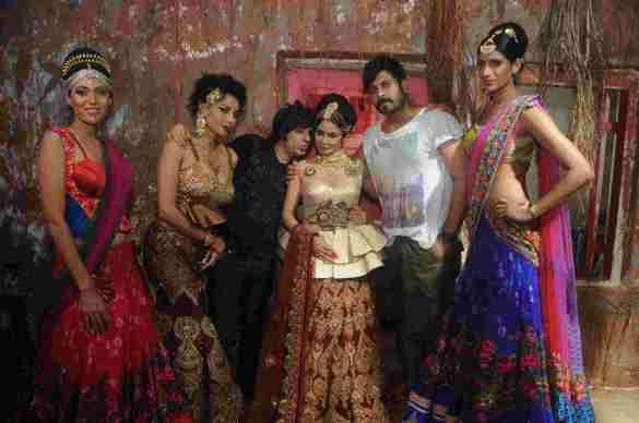 14. Shreya Kishore, Diandra Soares, Rohhit Verma, Kavitta  Verma, Faisal Reza with  Sheela Tiruchi DSC_9158