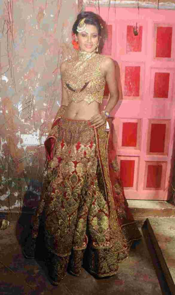 15. Neegar Khan in Rohhit Verma's  Outfit DSC_9107