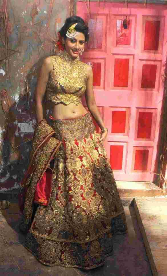 16. Neegar Khan in Rohhit Verma's  Outfit  DSC_9138