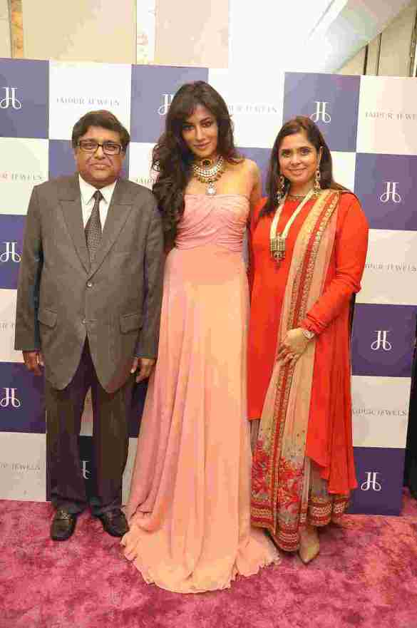 Chitrangada Singh with Subash Naheta and Sarika Naheta at Jaipur Jewels Nepean Sea Road