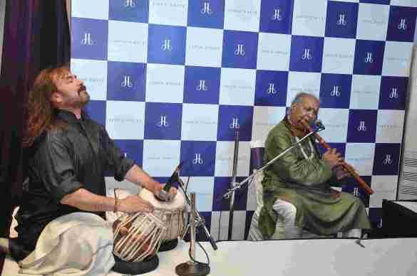 Pandit Hariprasad Chaurasai performing melodious ragas at Jaipur Jewels Nepean Sea Road
