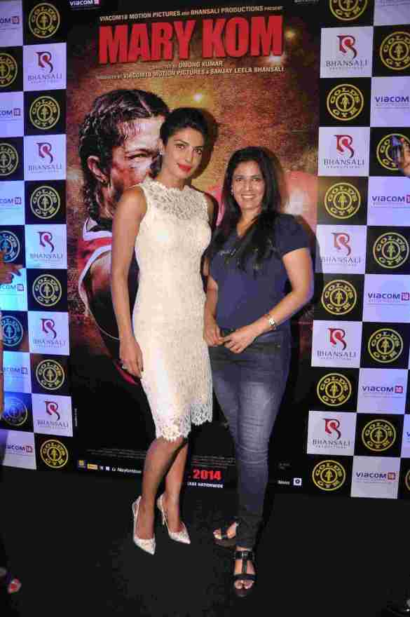 01 Priyanka Chopra and Althea Shah, VP Marketing & Ftiness Expert Gold's Gym India @ Gold's Gym Bandra to promote fitness with the film Mary Kom