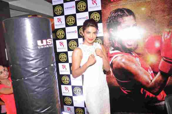 03 Priyanka Chopra @ Gold's Gym Bandra to promote fitness with the film Mary Kom