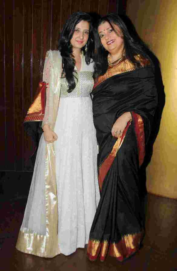 1. Amy Billimoria (Designer) with Isheeta Ganguly (Writer, Director  & Musical Composer)  DSC_9104