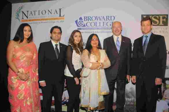 13. Gurpreet Kaur Chadha, Ravi Whabi, Jaspinder Narula, David Armstrong and Thomas Vajda (US Consul General - Mumbai ) DSC_5718