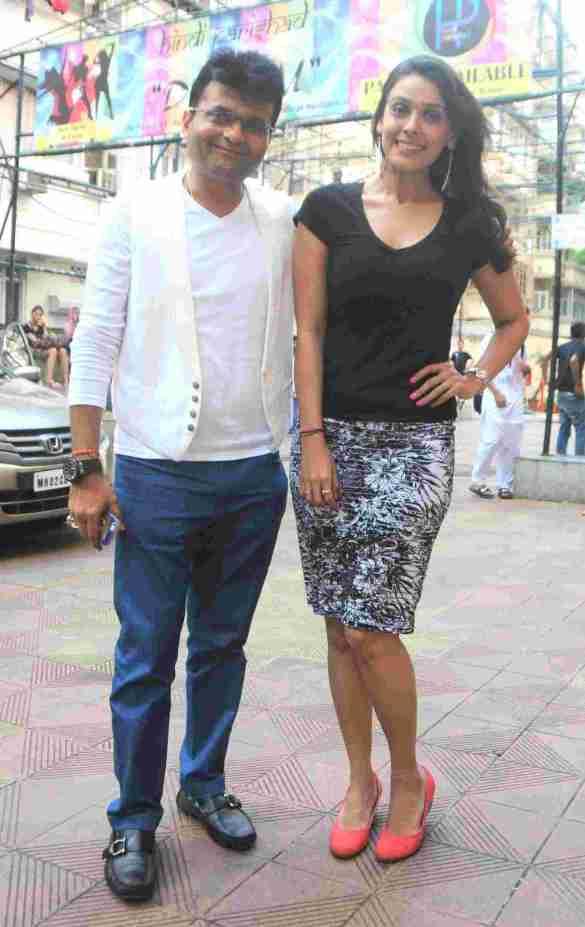 2. Hrishitaa Bhatt with  Aneel Murarka  DSC_4003