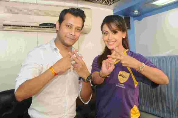 2. Mayank Singh with Hrishita Bhatt DSC_2083