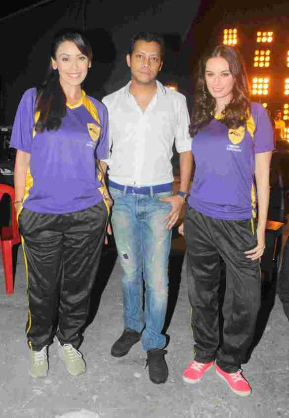 4. Hrishita Bhatt, Mayank Singh & Evelyn Sharma DSC_2368