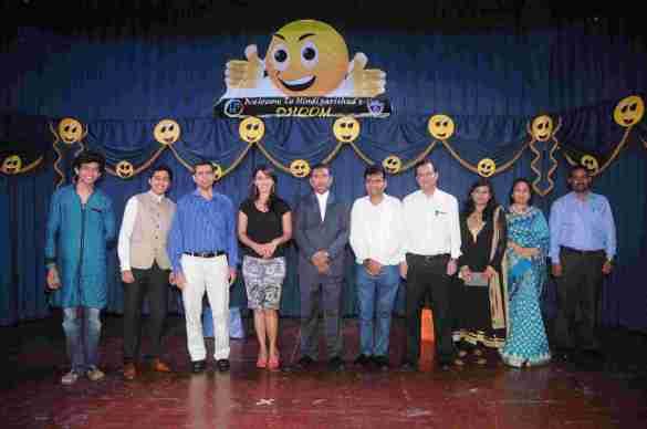 5. Hrishitaa Bhatt & Aneel Murarka with Jai Hind College Student & Staff DSC_3892