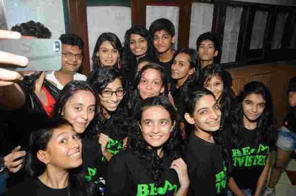 6. Aneel Murarka With Jai Hind College Student  DSC_3949