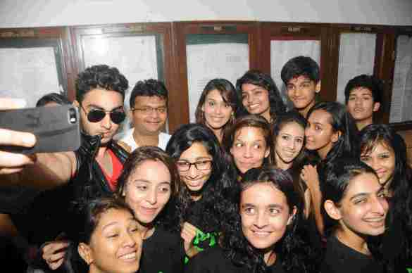 8. Aneel Murarka With Jai Hind College Student DSC_3954