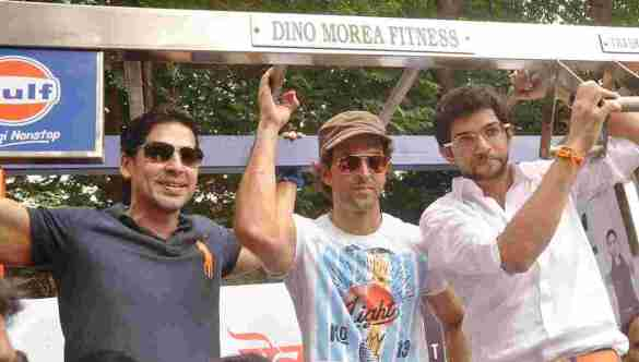 Dino Morea, Hrithik Roshan and Aaditya Thackeray at Dino's DM Fitness launch in Matunga Five Gardens