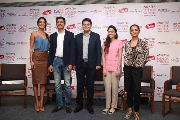 Lisa Haydon, Mukesh Bansal CEO Myntra & Fashion Head,Flipkart, Saket Dhankar,Fashion Head,IMG, Radha Kapoor Founder & Executive Director,ISDI Parsons, Bandana Tewari,Fashion Features Director, Vogue