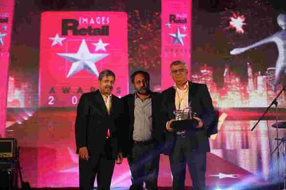 LtoR - Krish Iyer (President & CEO, Walmart India), Amitabh Taneja (CMD, Images Group) and Kabir Lumba (MD, Lifestyle International) at Images Retail Awards, 2014