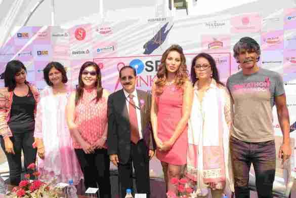 L to R RJ Sangeeta, Radio Mirchi_ Harshula Tulapurkar, Cancer Survivor_ Anuradha Bagchi, Amway_ Vinod Pande, GM, Corporate Communication and Change, SBI_ Actress Bipasha Basu_ Deveika Bhojwani, VP