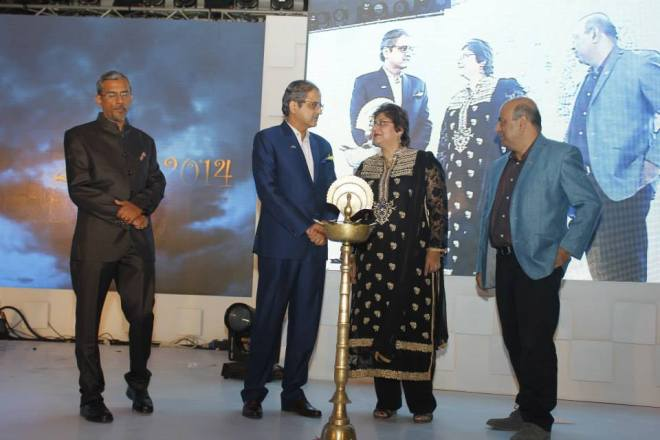 Mr. Ram Warrier, Mr. Ninad Karpe, Mrs. Kiran Mehra Kerpelman and Mr. Anuj Kacker at the lighting of lamp at MAAC's 24 FPS Awards