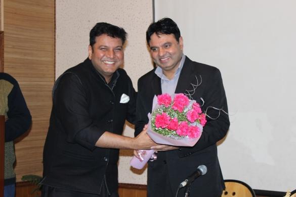 Mr. RC Dalal felicitating Mr. Qureshi