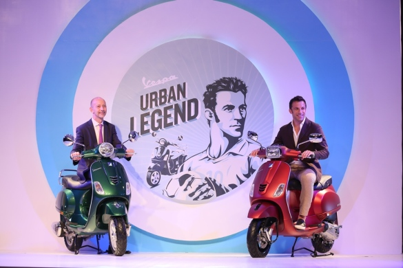Mr. Stefano Pelle, Managing Director, Piaggio India with Vespa global brand ambassador Alessandro Del Piero at the launch 2 - Copy