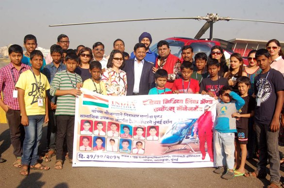 IAS-Dr._Mr.Harshdeep_Kamble_with_his_wife_Mrs.Rojana_Vanich_L_M.D.Mr.K.Ravi_Dada_Middle_with_guests_destitute_childrens