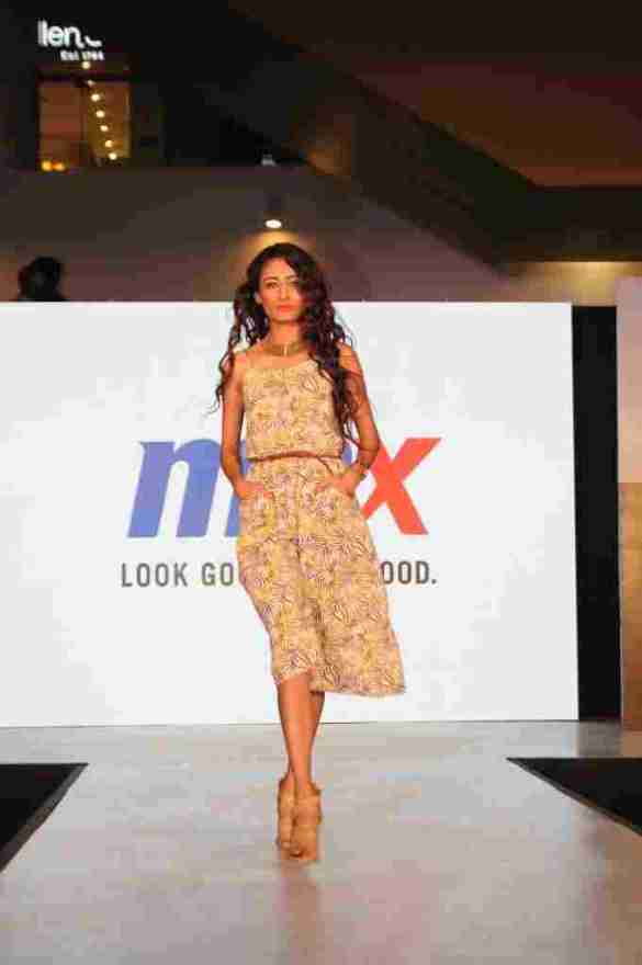 Model walks the ramp in MAX Summer'16 Collection (1)