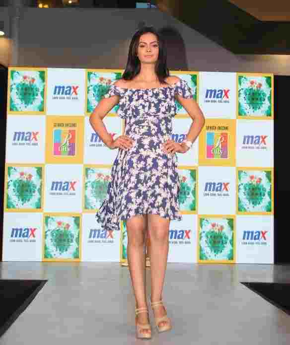 Model walks the ramp in MAX Summer'16 Collection (5)