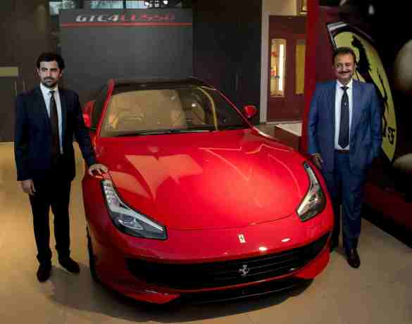 Mr Aurelian Sauvard and Mr Sharad Kachalia with the Ferrari GTC4Lusso (2)